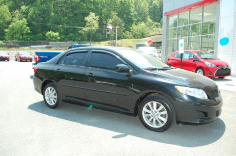 Pre-Owned 2009 Toyota Corolla  Front-wheel Drive Sedan