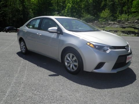 Certified Pre-Owned 2014 Toyota Corolla  Front-wheel Drive Sedan