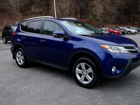 Pre-Owned 2014 Toyota RAV4 4WD XLE AWD