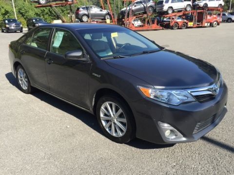 Pre-Owned 2012 Toyota Camry Hybrid XLE Front-wheel Drive Sedan