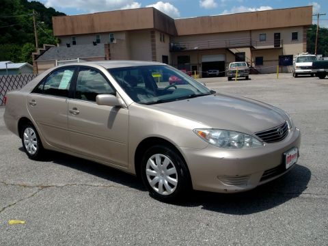 Pre-Owned 2005 Toyota Camry  Front-wheel Drive Sedan