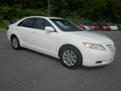 Pre-Owned 2009 Toyota Camry  Front-wheel Drive Sedan