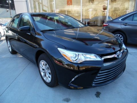 Certified Pre-Owned 2015 Toyota Camry LE Front-wheel Drive Sedan