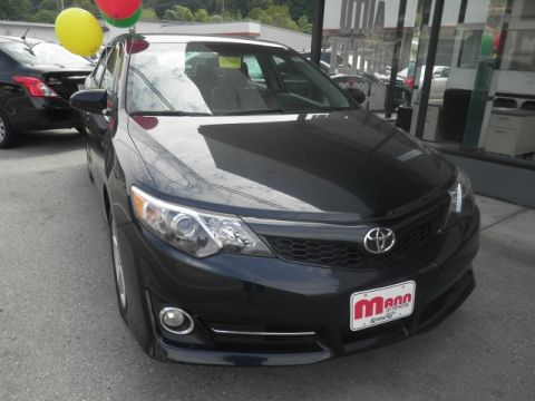 Pre-Owned 2014 Toyota Camry L Front-wheel Drive Sedan