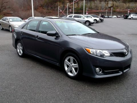Pre-Owned 2013 Toyota Camry L Front-wheel Drive Sedan