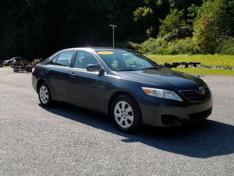 Pre-Owned 2011 Toyota Camry  Front-wheel Drive Sedan