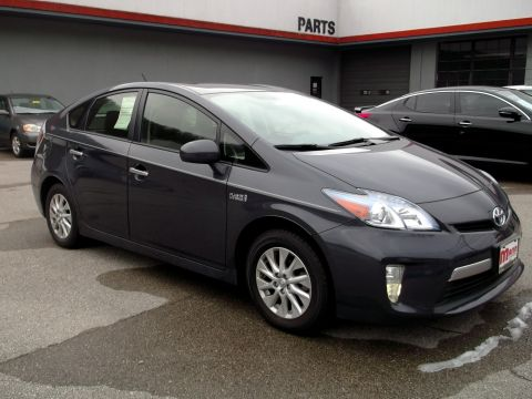 Pre-Owned 2013 Toyota Prius Plug-in  Front-wheel Drive Hatchback