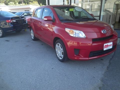 Pre-Owned 2012 Scion xD  Front-wheel Drive Hatchback