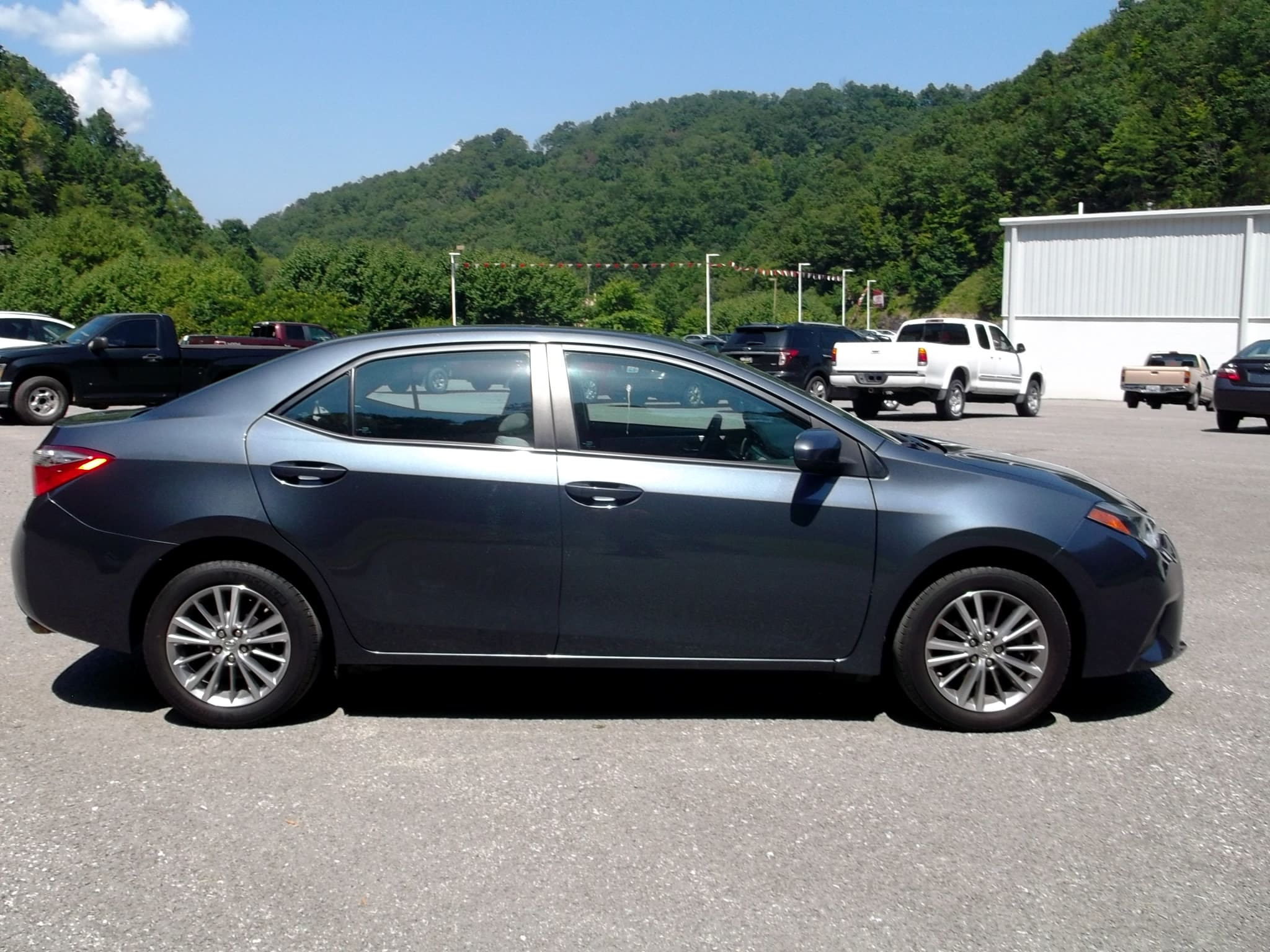 Pre owned 2014 toyota corolla