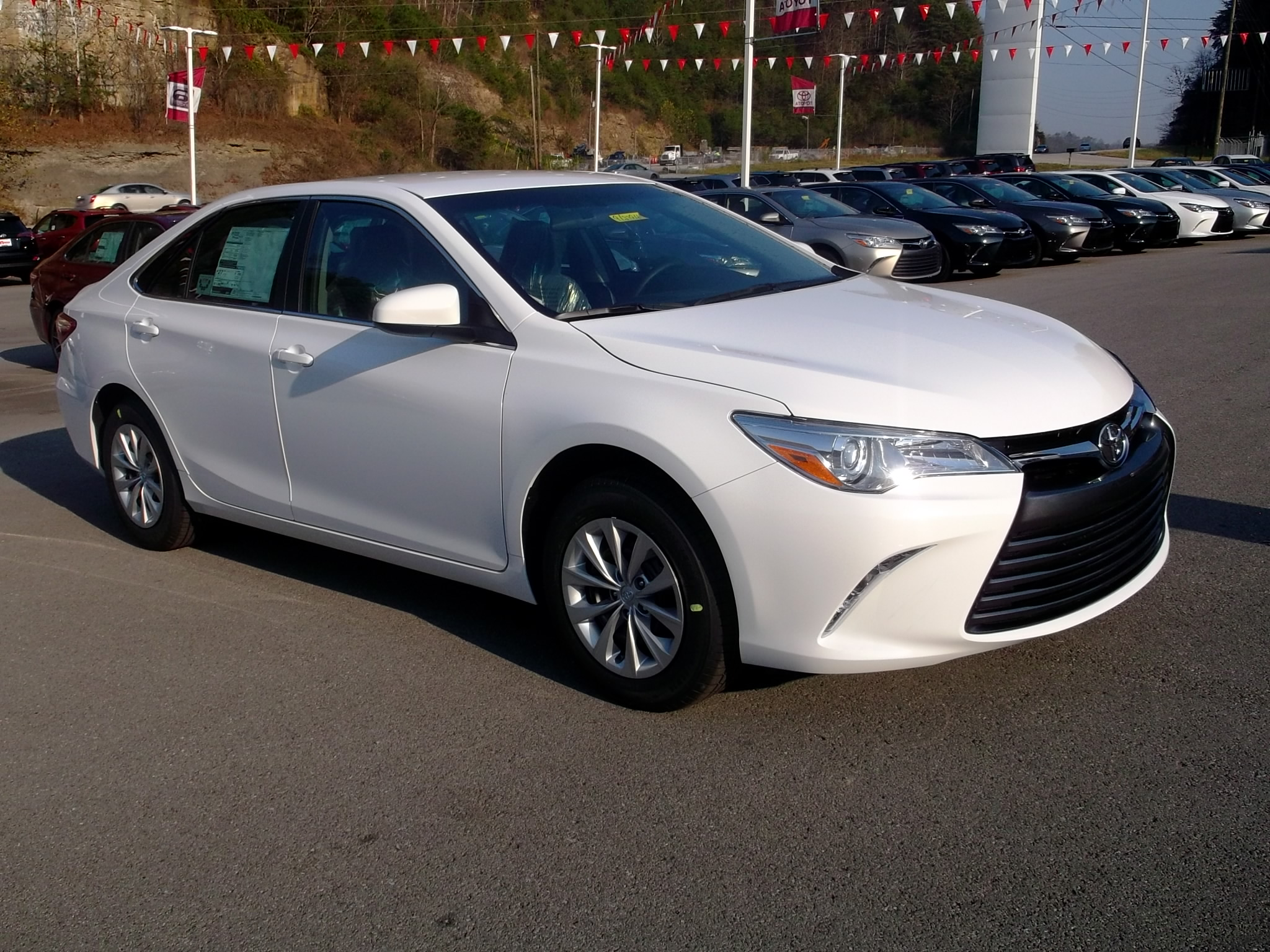 New 2017 Toyota Corolla Le 4d Sedan In Garden Grove Upcomingcarshq Com